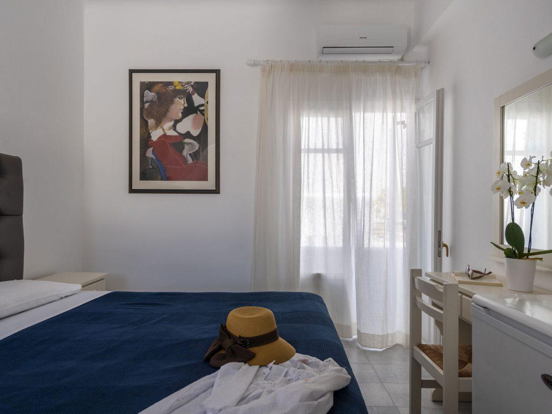 Δίκλινο Δωμάτιο με μπαλκόνι